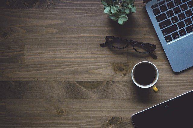 Darmowe porady online – czy brak opłat to jedyna zaleta porad przez Internet?